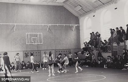 Tanár-diák kosárlabda mérkőzés