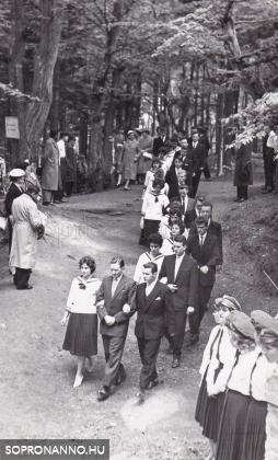 Ballagás a Deák-kúthoz 1960-ban