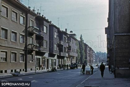 Pillanatkép a Mátyás király utcából