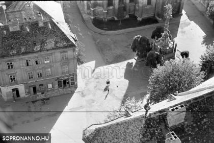 Pillantás a Fő térre a Tűztorony tetejéről
