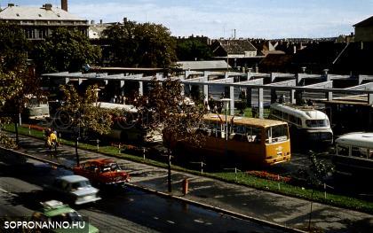 A buszpályaudvar egykor