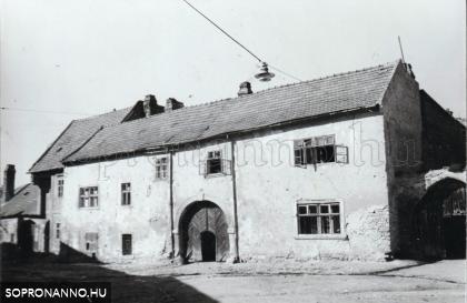 Rózsa utca 5.- Az egykori Arany Nap fogadó