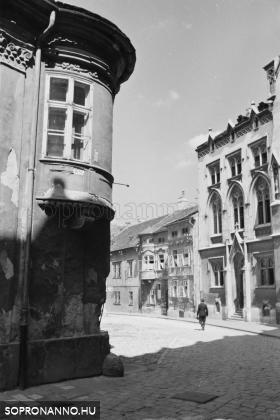 Az Orsolya tér a háború előtt