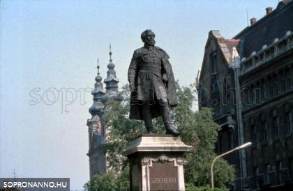 Széchenyi István szobra