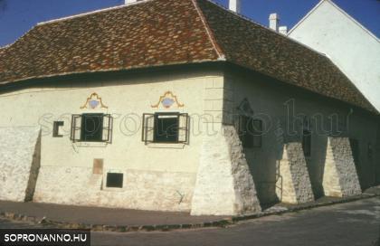 A Rózsa utca 1-es számú ház