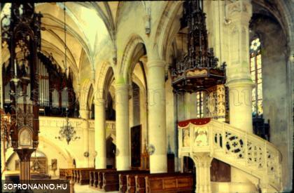 A Szent Mihály-templom belülről