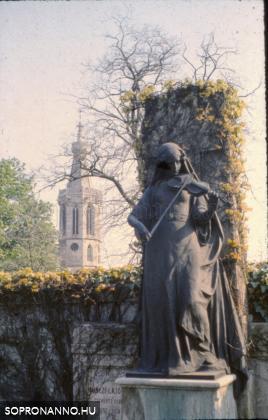 A Szent Mihály temető részlete