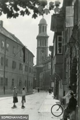 A Templom utca az 1950-es években
