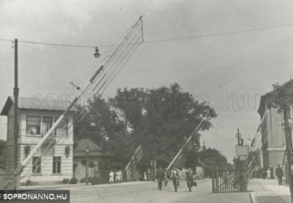 Vasúti átjárók a Kossuth Lajos utcában
