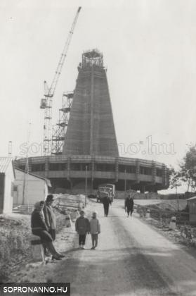 A TV-torony építése
