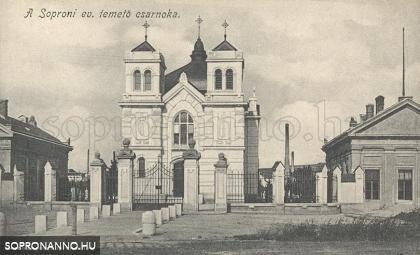 Az Evangélikus temető bejárata