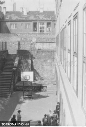 Orsolya téri iskola