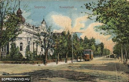Villamos a Kossuth utcában