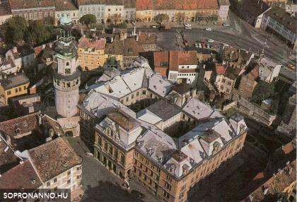 Légi felvétel a Városházáról