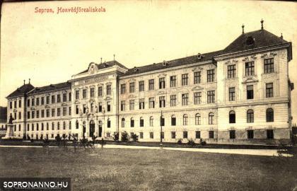 A Honvédfőreál épülete