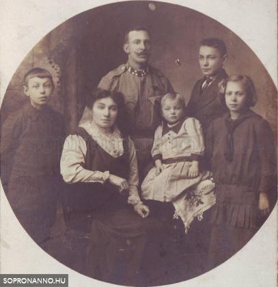 Családi kép a Nagy Háború időszakából