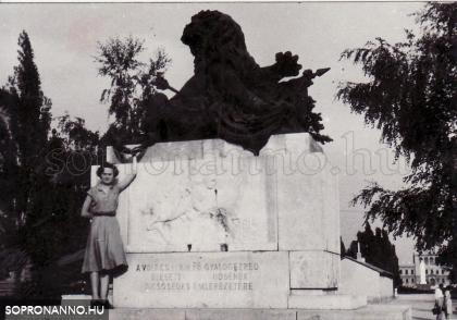 A Sebzett oroszlán szobra