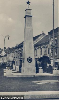 Az első szovjet emlékmű