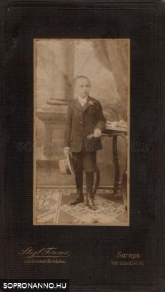 Édesapám 1907 körül