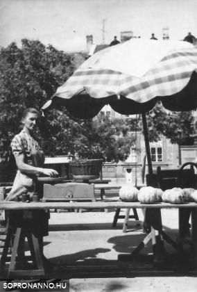 1957-58. A Kisvárkerületi piac