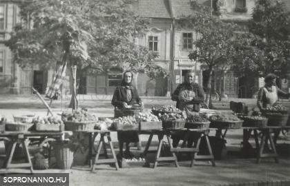 1957-1959. Piaci eladók a Kisvárkerületen