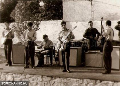 1966. Kópháza