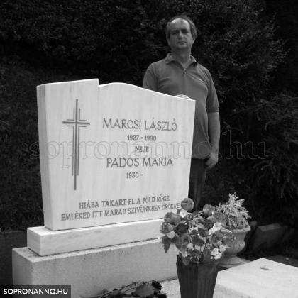 Marosi Laci bácsi sírjánál 2009-ben