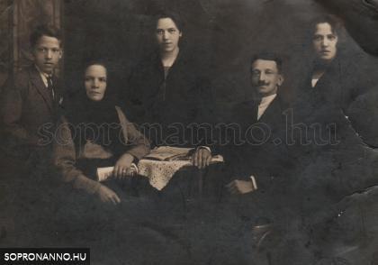 Forstner Frigyes és családja