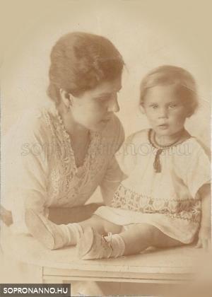 Magda gyerekkorában