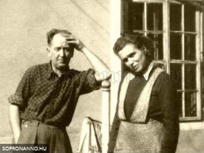 1950 táján, Zamostny János kelmefestő és vegytisztító és felesége