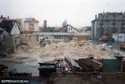 1990-es évek első fele, az egykori Rupprech cukorgyári főépület