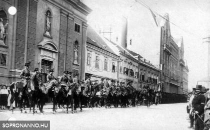 Ostenburg zászlóalja 1921. augusztus 28-án a Széchenyi téren