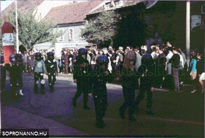 A Halász utcai iskola diákjai