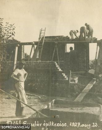 Mende Gusztáv építkezése
