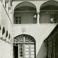 A Katolikus konventház udvara