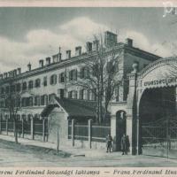 A lovassági laktanya 1930 körül