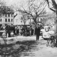 Autóbörze a régi piac helyén