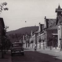 Az Alsólövér utca az 1960-as években