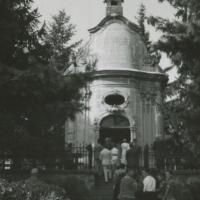 Életkép a Szent János-kápolnánál